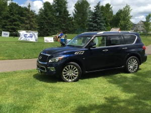 Infiniti QX80 on Hole #12